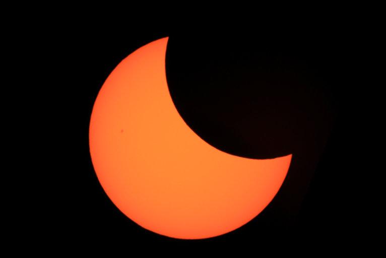NASA_partial_solar_eclipse_Boston-510-am.jpg